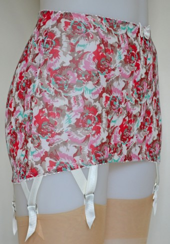 Pip & Pantalaimon spring-floral step-in